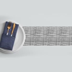 ראנר מגן חום לשולחן דגם-משבצות שחור לבן